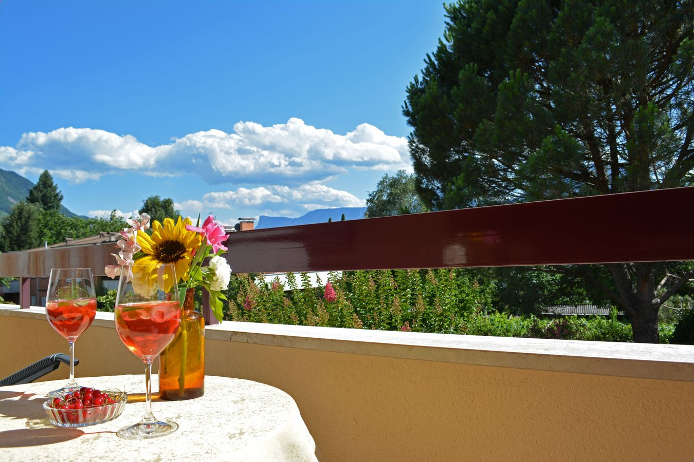 Drink genießen Balkon Meran