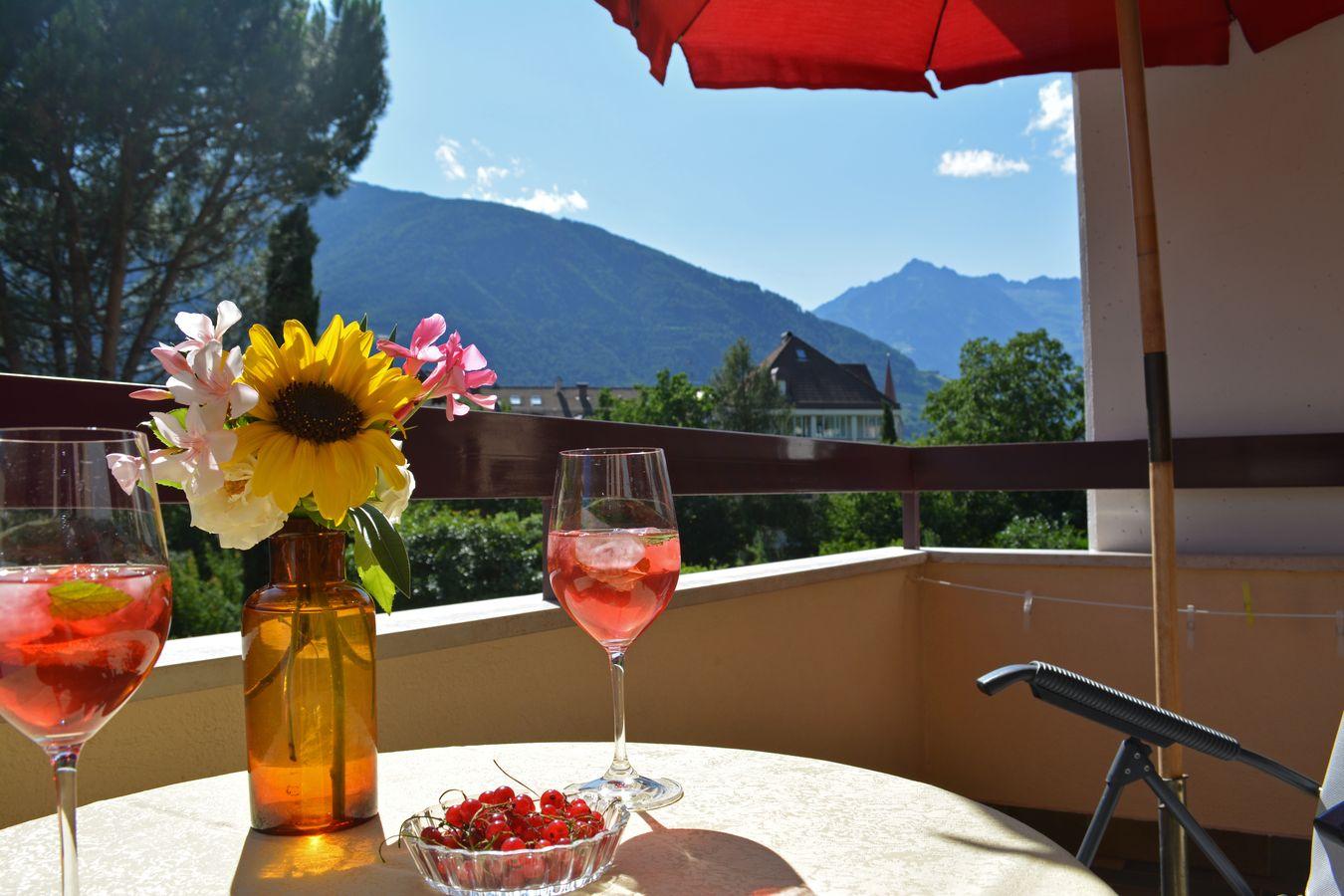 Sonniger Balkon Südtirol