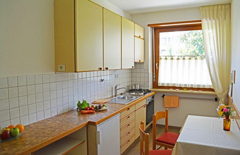 Großzügige Küche des 2-Zimmer-Appartements Meran